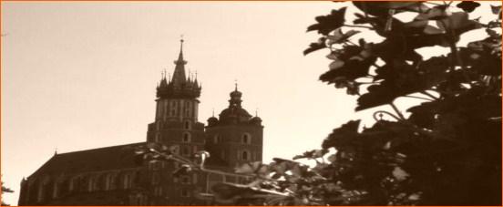 http://www.zabytkikrakowa.com.pl/wp-content/uploads/mariacki2.jpg